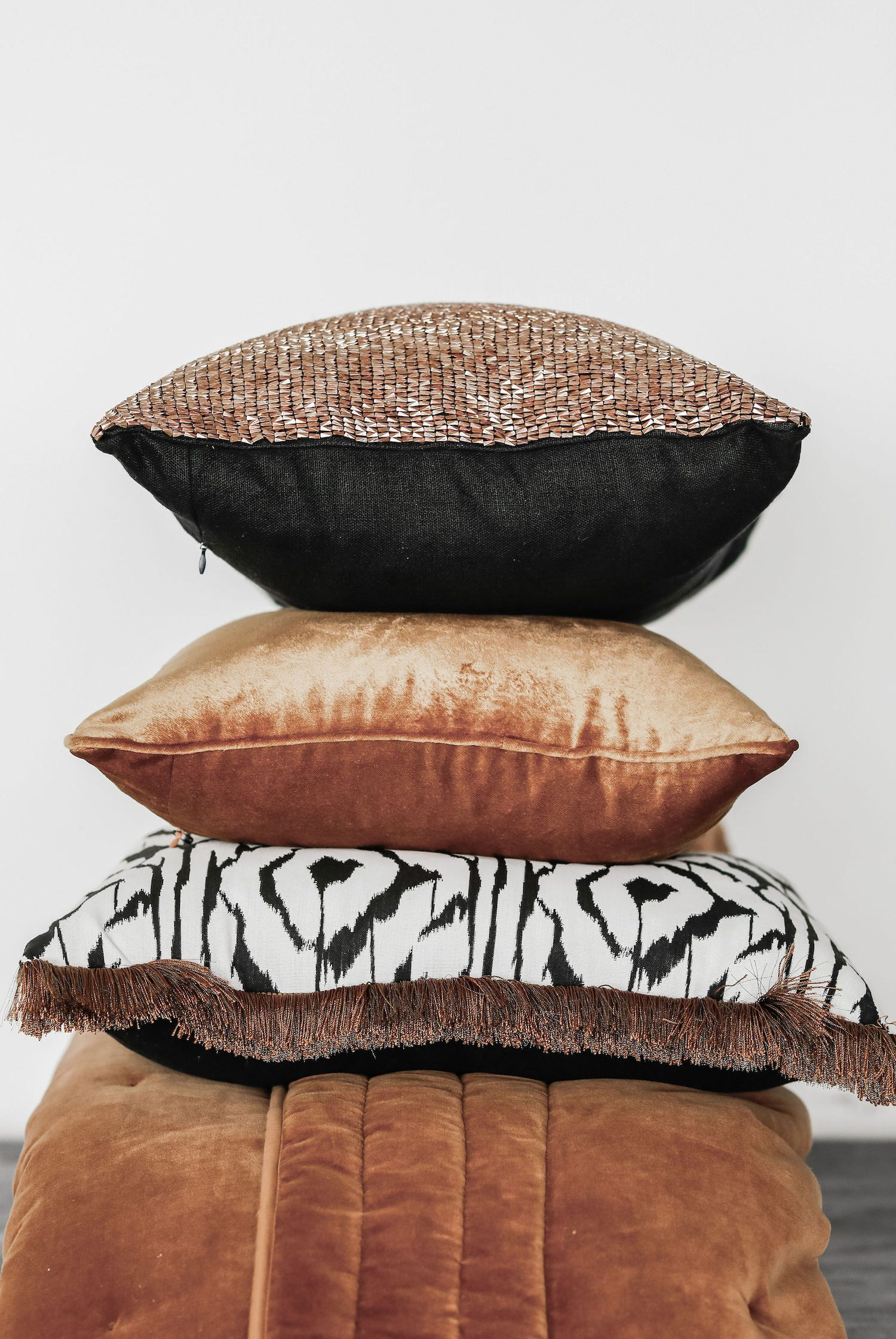 LEILAH_cushion_stack